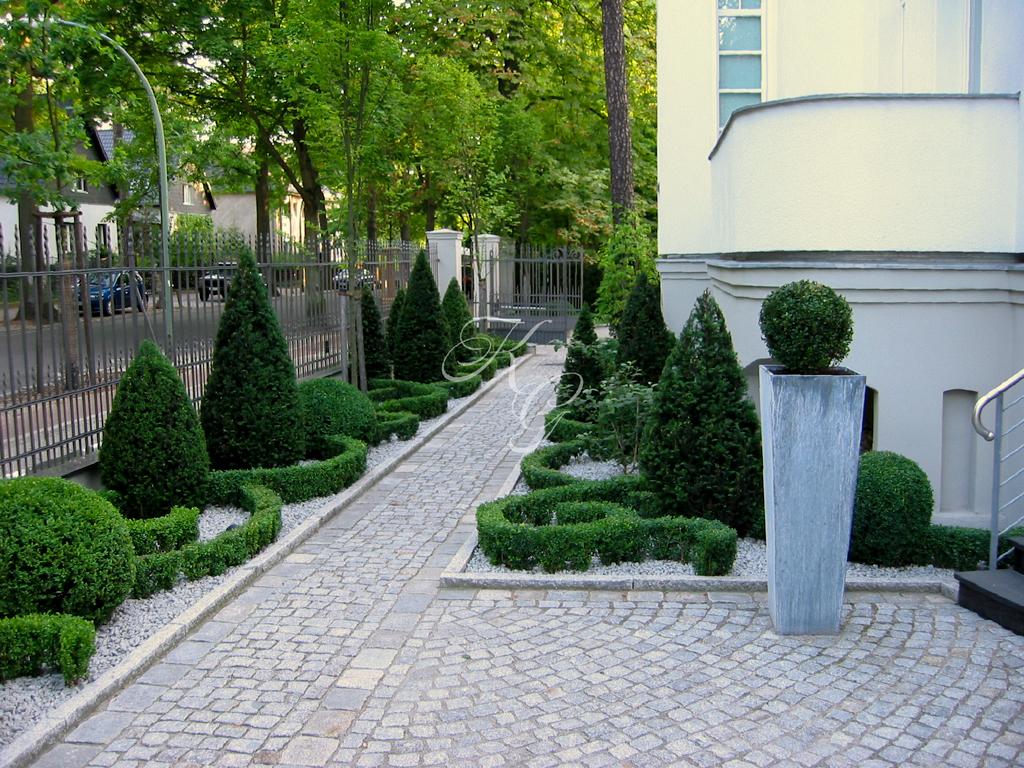 Ornamental angelegter Stadt-Vorgarten